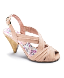 Viva La Diva Pleated Sandal EEE Fit