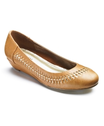Viva La Diva Low Wedge Woven Court E Fit