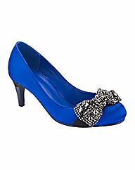 Viva La Diva Court Shoes EEE Fit