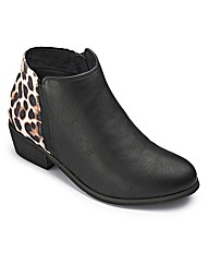 Sole Diva Low Ankle Boot EEE Fit