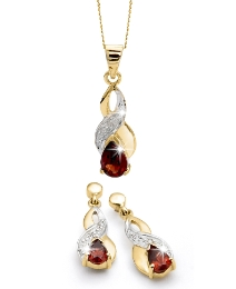 9 Carat Gold and Garnet Jewellery Set