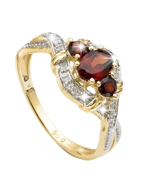 9 Carat Gold Garnet & Diamond Ring