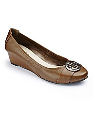 Lotus Low Wedge Shoes E Fit