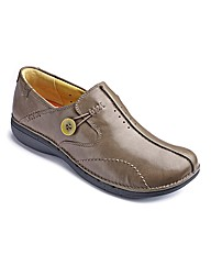 Clarks Un Loop Button Detail Shoes D Fit