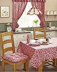 Maddie Tablecloth and Four Napkins