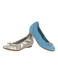 Sabrinas Jewel Wedges