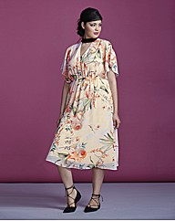 Simply Be Contrast Tipped Tea Dress £42.50 AT vintagedancer.com