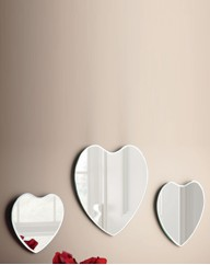 Set Of 3 Heart Mirrors