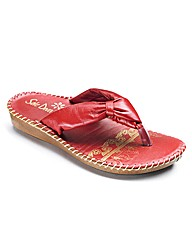 Sole Diva Toe Post Sandals Standard Fit
