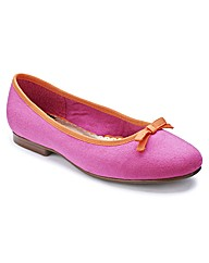 Heavenly Soles Bow Ballerina Pumps EEE