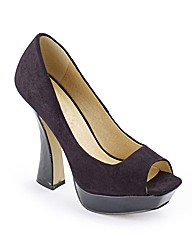 Flared Heel Court Shoes D Fit