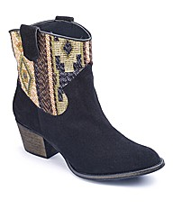Woven Aztec boot E Fit