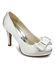 Sole Diva Satin Court E Fit