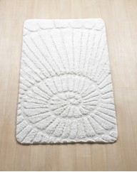 Sculptured Shell Bath Runner