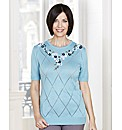 Round Neck Sweater With Diamond Pattern