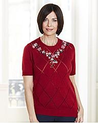Round Neck Sweater With Diamond Pattern
