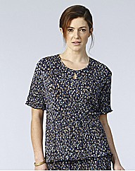 Plisse Printed Jersey Top With Keyhole