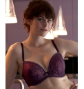 Wonderbra Lace and Velvet Bra