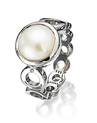 Hot Diamonds Pearl Circle Ring