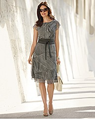 Apanage Crinkle Georgette Dress