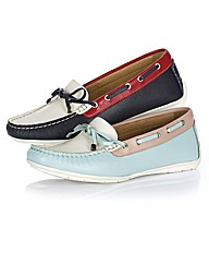 Aerobics Contrast Loafer