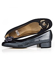 HB Shoes Flower Trim Pump
