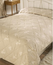 Albany Standard Quilted Throwover