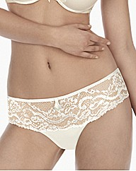 Triumph Beautiful Spotlight String Brief