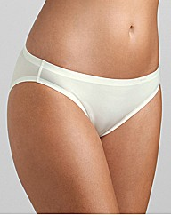 Triumph Just Body Make Up Tai Brief
