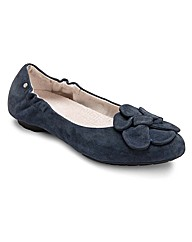 Rockport Etty Flower Scrunch