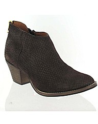 Marta Jonsson brown suede ankle boot