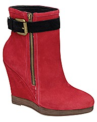 Ravel Keeley  wedge ankle boot
