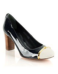Tory Burch Pacey Pump Court