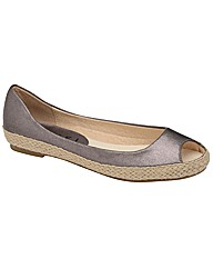 Ravel Lydia slip on