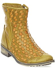 Feud Cracker Woven Boot