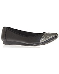 Anne Klein Alaner3 shoes