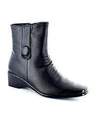 Jyoti Almond Boot