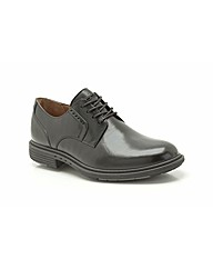 Clarks Un Walk Shoes
