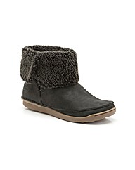 Clarks Nettle Leaf Boots Standard Fit
