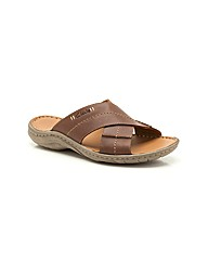 Clarks Woodlake Cross Sandals