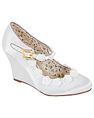 Perfect Vintage Inspired Wedge Shoe