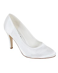 Perfect Plain Round Toe Court Shoe