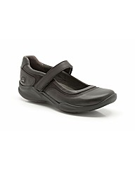 Clarks Wave Flow Bar Shoes Standard Fit