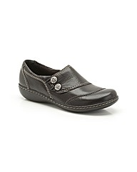 Clarks Embrace Charm Shoes Standard Fit