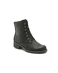 Clarks Orinoco Hop Boots Wide Fit