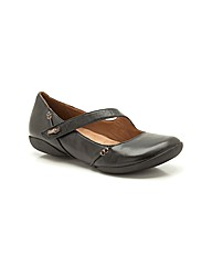 Clarks Felicia Plum Shoes Wide Fit