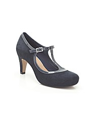 Clarks Chorus Thrill Shoes Standard Fit