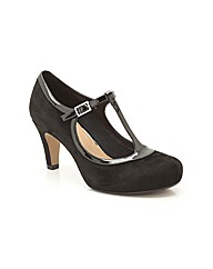 Clarks Chorus Thrill Shoes Wide Fit