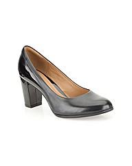 Clarks Womens Basil Auburn Wide Fit