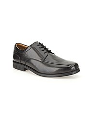 Clarks Beeston Stride Shoes